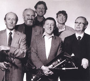 http://www.jimvallance.com/01-music-folder/images-for-music-pages/images-music-pages/img-glass-tiger-chieftains-2.jpg